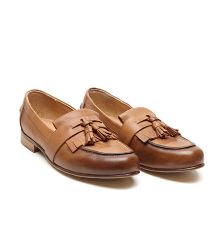 GUCC* TASSLE LOAFER